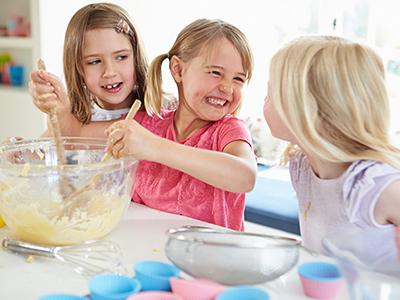Kinderactiviteiten bij Restaurant 't Binnenhof in Paasloo bij Steenwijk - Boerenbrok Maken