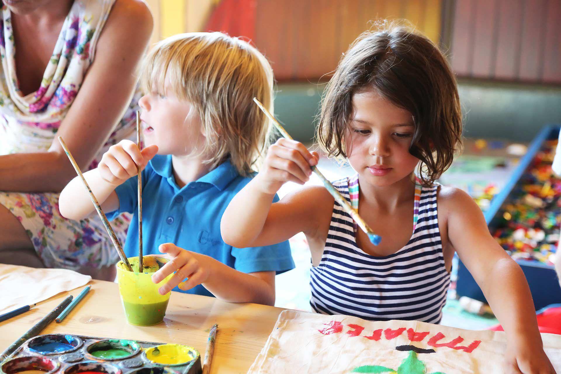 Kinderactiviteiten bij Restaurant 't Binnenhof in Paasloo bij Steenwijk - Knutselen