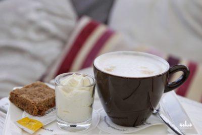 Koffie met slagroom en boerenbrok Restaurant 't Binnenhof in Paasloo